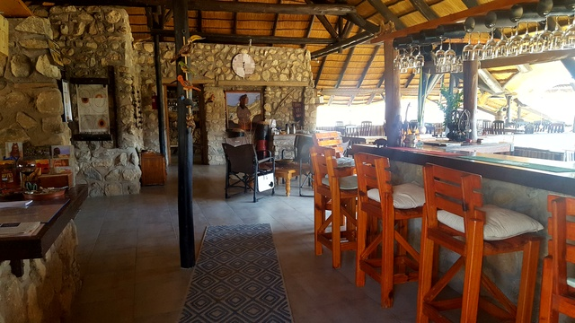 Epupa Lodge bar